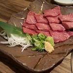 52690262 - 【2016.06】神戸牛のあぶり刺し(1,480円+税)写真は二人前です。