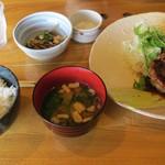 飯屋こふく - 鶏肉定食