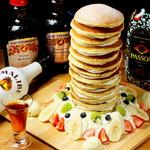 Cafe and Bar Lotta - まるでバベルの塔!?15段に重なるインパクトパンケーキ!