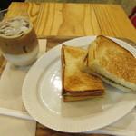 マダム ブロ - モーニングチーズサンドセット 560+80円