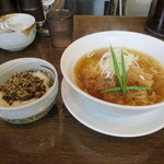 手打ち麺 やす田 - カツオ「醤油」700円+昆布飯150円