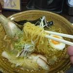 らーめん影虎 - 麺アップ