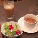 ジーズバー - セットメニュー(ソフトドリンク、サラダ、スープ)