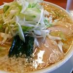 すすり家 - 醤油チャーシュー麺 太麺 背脂多め ネギトッピング