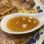 名物屋 - 【2016.5.6】鶏ガラベースの清湯スープに二枚貝の旨味をプラス。