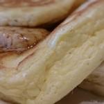 bills - ふわふわのパンケーキは甘すぎずペロリと食べれますよ('-'*)♪