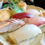 鮨 睡蓮 - 料理写真:お寿司アップ