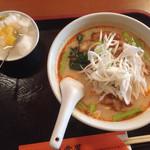 弄堂里 - パイコー担々麺 杏仁豆腐付き