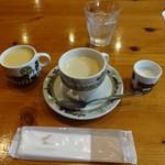 シャレー スイス ミニ - スープ、珈琲、ミルク