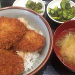 どんぶり道場 - 料理写真:たれかつ丼・手作り豚汁セット(ひれかつ3枚) 390円
