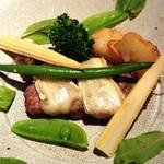 ラ・ヴァーグ - 山形県産豚ロース肉のグリルとフランス産ブリ―チーズのマリアージュ