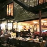 カフェ ラ・ボエム - これからの季節はフルオープン