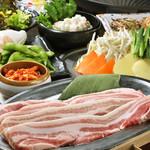 横浜ビアホール KIMURAYA - お肉の厚さはなんと18mm!極厚サムギョプサル+サラダバイキング【2時間食べ飲み放題】⇒ 2,980円