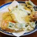 助六 - 季節の野菜天ぷら盛合せ
