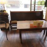 サティスファクション - テーブル席