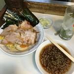 どさん子娘 - 醤油つけ麺700円       2016年5-6月