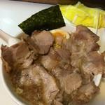 どさん子娘 - チャーシュー麺800円       2016年5-6月