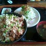 豚さん食堂 - ミム丼(あっさり豚しゃぶ丼) 780円