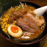ゴリラーメン - 特製味噌らぁ麺(950円)