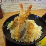 産直鮮魚寿司炉端 源ぺい - 天丼