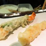 天冨良 津久根島 - ここからがランチの松コース。【松】海老1 しそ海老1 魚2 季節野菜5 かきあげ 御食事 サラダ フルーツ 2,150円。