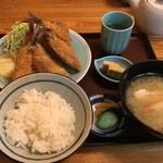 横田食堂 - 料理写真:アジフライ定食