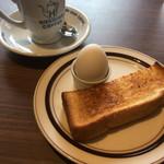 星乃珈琲店 - 無料のモーニングセット(バタートーストとゆで卵)