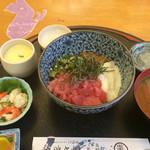 魚七商店 結 - 月替わりの納豆オクラマグロ丼