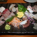 旬魚処 海蔵 - 料理写真:お刺身の盛合せ