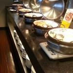 リラッサ - 中華料理コーナー ある意味一番まともだった 2016.6