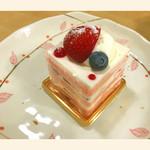 ヒロンボン - 料理写真:イチゴのショートケーキ