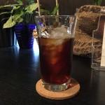 ピアノカフェ ルコラ - アイスコーヒーかなり薄く。