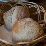 サンジャン・ピエドポー - 自家製パン