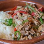 サンジャン・ピエドポー - アショア(バスク風仔牛もも肉のラグー)バターライス添え