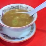 52762532 - やさしい味のスープはラーメンのものと一緒。たぶん