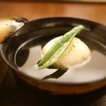 日本料理 晴山 - お椀 毛蟹とトウモロコシの真丈