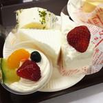 果子乃季 - フルーツプリン・いちごのショート・レアチーズ・はちみつチーズロール