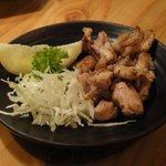 立呑み処 ごっつぉう  - 宮城県産地鶏たたき 380円