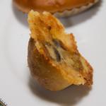 Boulangerie Sudo - オリーブとチーズのプチパン(108円)
