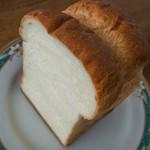 Boulangerie Sudo - 料理写真:世田谷山食パン(半斤:一斤670円)