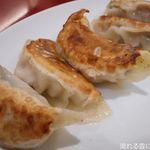 東海酒家 - 手作りエビ入り焼き餃子