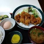 三栄 - チキンカツ定食(2009,4)