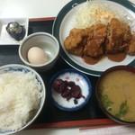 三栄 - チキンカツ定食(2016,5)