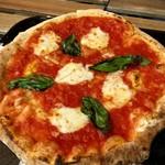 ナポリス ピッツァ&カフェ - お値段相応の味ですが、この安さはすごいです!