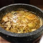 つけ麺 丸和 - つけ汁アップ