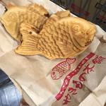 やきもの本舗 鯛あん吉日 - 料理写真:お買い上げたい焼き2尾