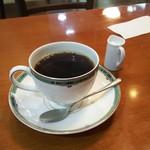 リラ - ブレンドコーヒー430円也。