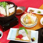 味喰笑 - みささぎ御膳2,500円(税込)三種盛・小鉢・お造り・天婦羅・小鍋(4種類から選べます)・ご飯・コーヒー