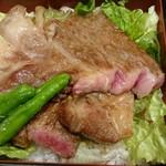 近江牛一筋 農家レストラン だいきち - 近江牛ステーキ重のアップ