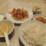 上海人家 - ランチの酢豚700円